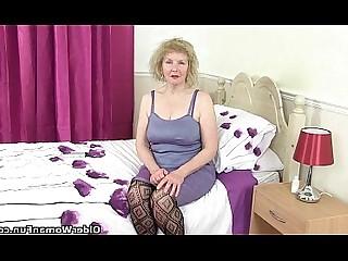 Cougar Granny HD Mature MILF Nylon Panties Pleasure