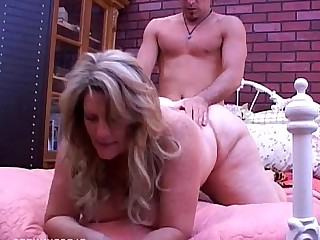 Boobs Big Tits Beauty Mammy Wife MILF Mature Housewife