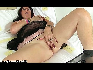 Cougar HD Masturbation Mature Nylon Panties Stocking