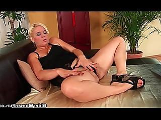 Ass Bus Busty Cougar Dildo Hairy HD Mammy