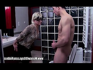 Cumshot Cougar Bathroom Blowjob Old and Young Mature Wife Mammy