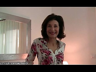 Cougar Granny HD Horny Mammy Mature Nylon Stocking