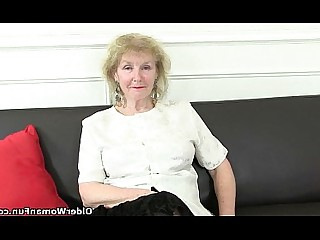 Cougar Granny HD Mammy Mature Nylon Solo Stocking