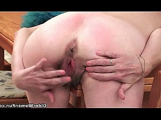 Mammy Mature Granny Hairy HD Kitty Small Tits Little