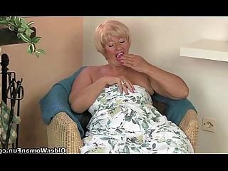 Cougar Granny HD Mammy Masturbation MILF Mature