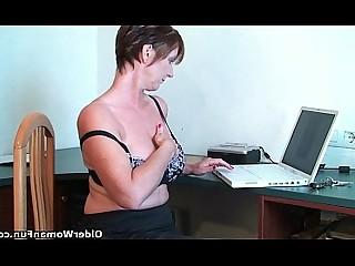 HD Mature MILF Orgasm Mammy Masturbation