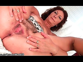 Mammy Mature Orgasm Big Tits Bus Busty Granny