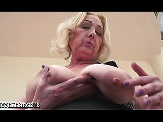 Hot Kiss Licking Mature Natural Old and Young Pussy Rimming