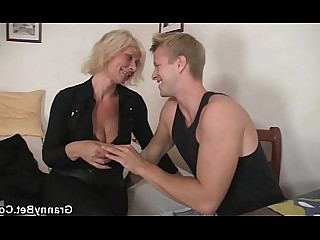 Housewife Fuck Granny Doggy Style Blonde Wife Teen Old and Young