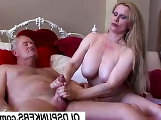 Mammy Mature Hot Cumshot Cougar Busty Bus Boobs