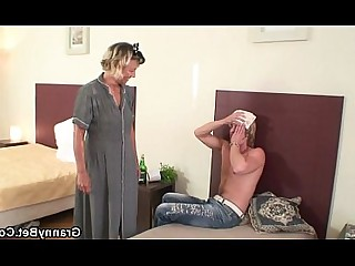 Mammy Housewife Granny Teen Old and Young Fuck Pussy Wife