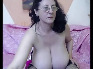 Mature Masturbation Mammy Wife Fingering Granny