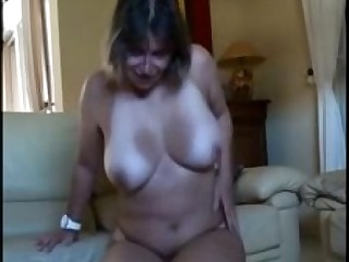Amateur Big Tits Boobs Hairy Bus Kitty Horny Masturbation