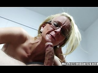 Fuck Hot Innocent Playing MILF Prostitut Pussy Squirting