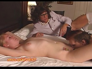 Teen Pussy Prostitut Licking Mammy MILF Daughter Babe